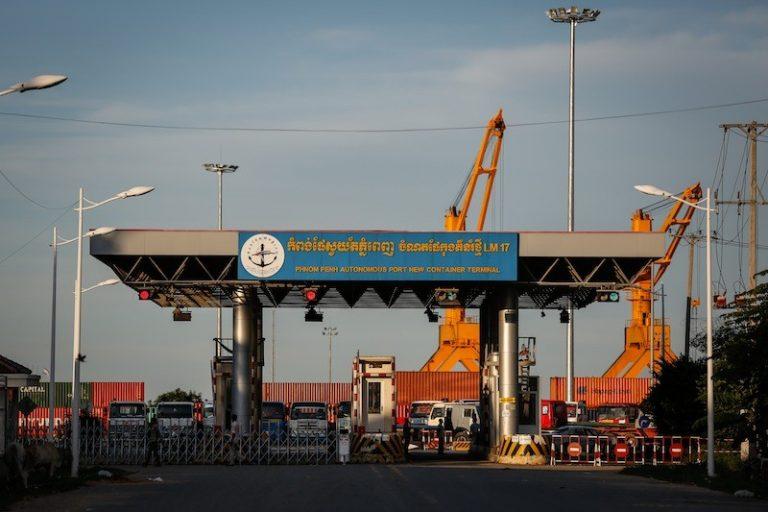 Vận chuyển hàng hóa đi Campuchia xuất nhập bằng đường biển