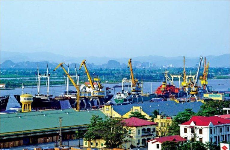 Vận chuyển container từ cảng TPHCM đến cảng Pekanbaru