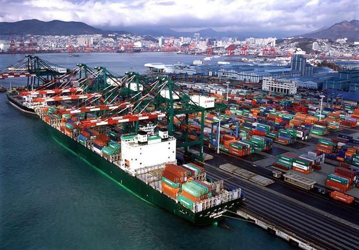 Vận chuyển container từ cảng TPHCM đến cảng Kampong Saom(Cambodia)