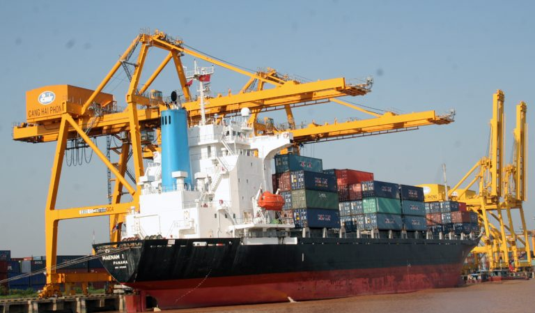 Vận chuyển hàng hóa từ cảng Cát Lái đến cảng Thăng Long