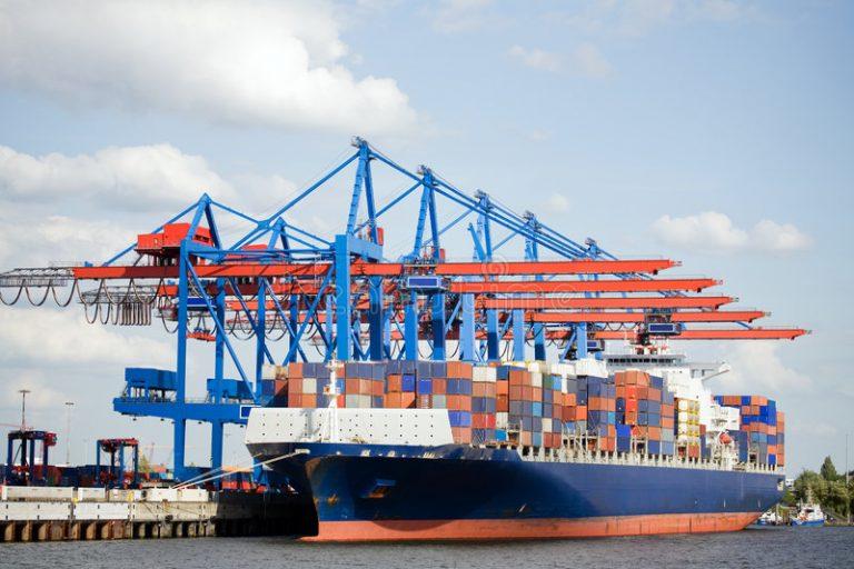 Vận chuyển hàng hóa đi từ cảng Sài Gòn đến cảng Cái Lân theo đường biển nhanh chóng