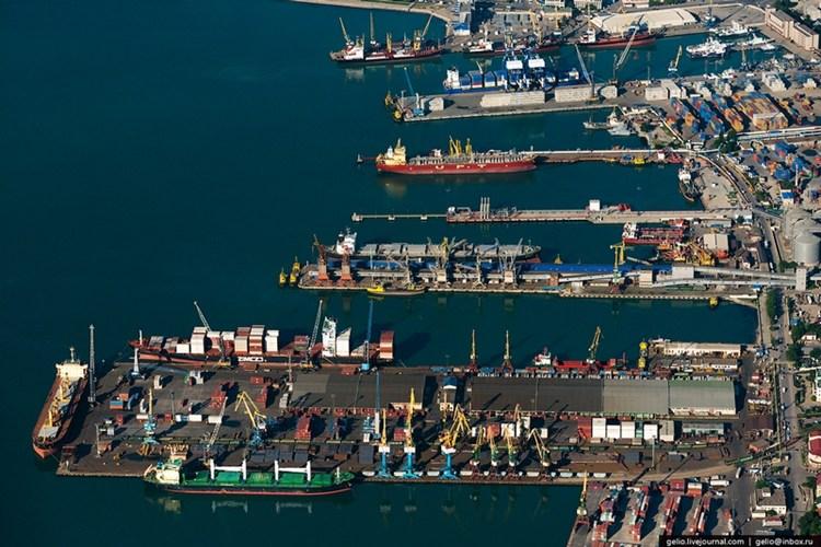 Vận chuyển hàng hóa bằng đường biển quốc tế đi Ecuador