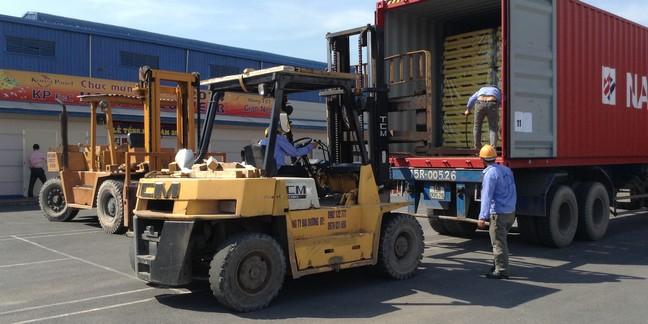 Dịch vụ xếp dỡ và nâng hạ đóng gói hàng hóa nhanh chóng tại Vinh