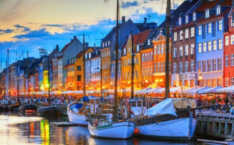 Dịch vụ vận chuyển hàng siêu trường siêu trọng đi Đan Mạch từ Tphcm nhanh chóng