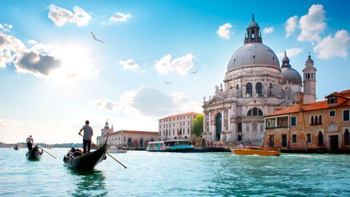 Dịch vụ gửi hàng lẻ đường biển từ Cần Thơ đi Italy giá rẻ, uy tín