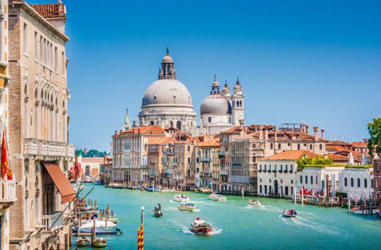 Vận chuyển hàng hóa đi Italy từ HCM cước phí siêu tiết kiệm!