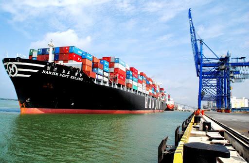 """Tân Cảng – Cát Lái """"hạ nhiệt"""", vẫn lo hiệu ứng """"domino"""" dịch chuyển chuỗi sản xuất ra khỏi Việt Nam."""